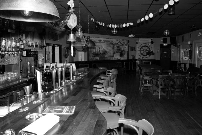 portfolio covid19 cafe schippers binnen lege bar