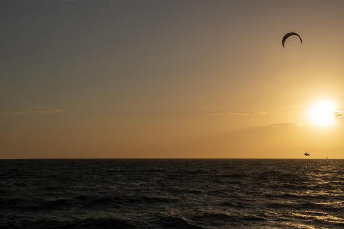 portfolio sport windsurfer ondergaande zon hoekipadijk bataviastrand